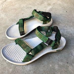 Teva Women's Hurricane Sandals Size 7